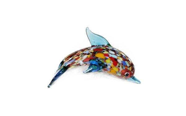 På billedet ser du variationen Glasdyr. Blå delfin fra brandet i en størrelse H: 6 cm. B: 6,5 cm. i farven Multifarvet