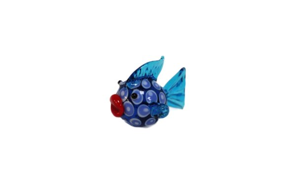 På billedet ser du variationen Glasdyr. Blå fisk fra brandet i en størrelse H: 5 cm. B: 5,5 cm. i farven Blå
