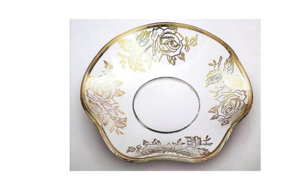 På billedet ser du variationen Lysmanchet. Guld blomster. Bølgeformet glas fra brandet i en størrelse D: 7 cm. i farven Guld