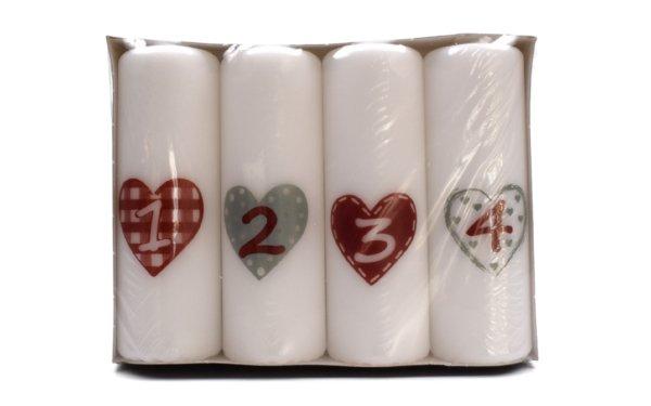På billedet ser du variationen Advents bloklys med hjerte. 4 stk. fra brandet i en størrelse H: 12 cm. B: 4 cm. i farven Hvid